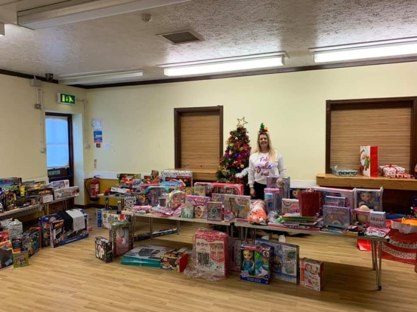 Giving tree 2019 refuge wrapping 11